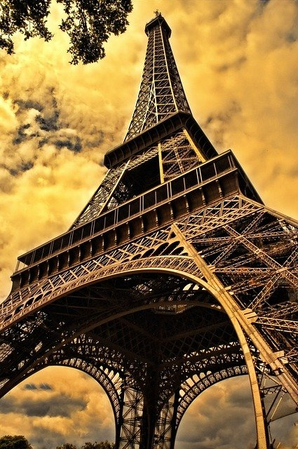 Captivated by the Story- photo of the Eiffel Tower | Paris | France